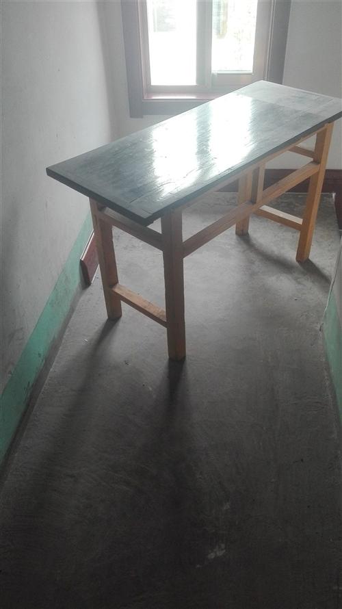 出售8成新实木小课桌