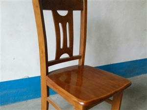 实木椅子餐椅凳子出售