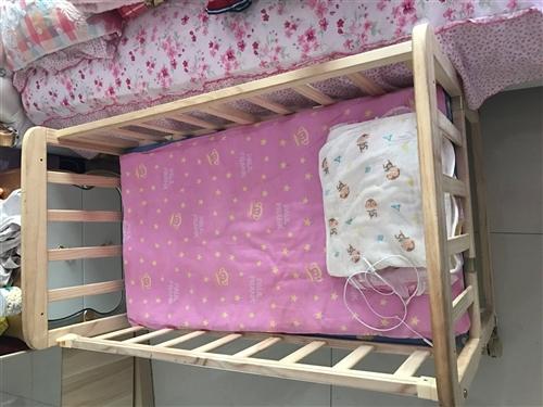 99新婴儿床,就睡了三次,可以摇,不用还可以当书柜