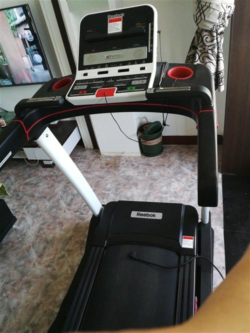家用跑步机出售