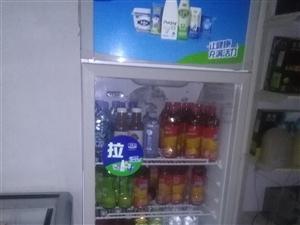 冰柜一台,展柜一台