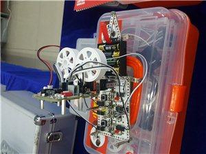 小蓋茨機器人教育免費公開課開講了!!!