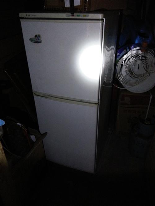 小型美菱冰箱