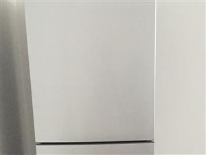 全新海尔洗衣机和全新美的冰箱