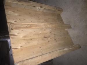 大量出售托货用的木托盘