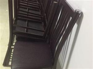 急售家里自用的饭店椅子共14个500元