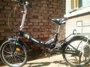 八成新小自行车一百块和八成新小鼠笼50块.价格可以再优惠。138 3499 9673。