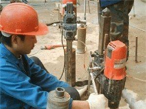 專業打各種油煙機孔,熱水器孔,排氣扇孔