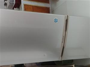 二手冰箱一台,价格200有诚意的联系