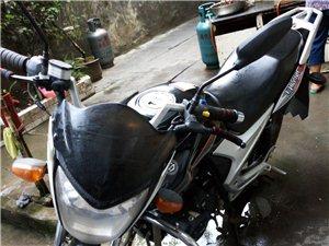 因本人已換小汽車,故城意轉讓品牌摩托車一輛!