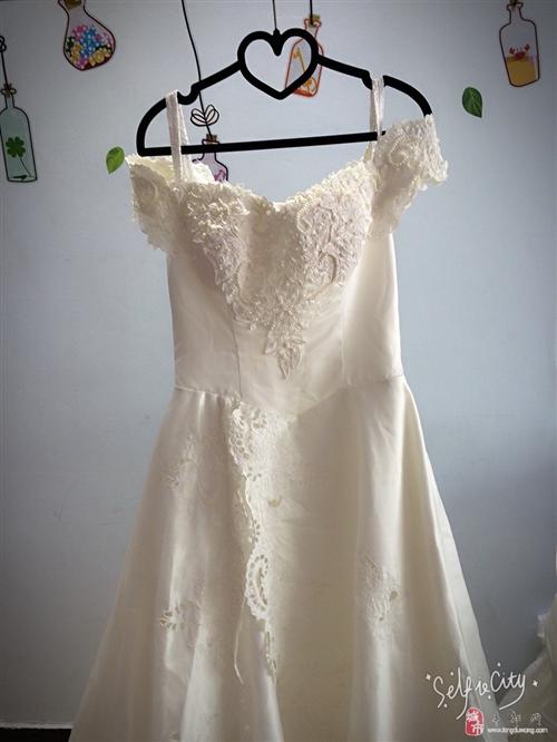 大量婚纱,礼服,婚庆道具低价处理