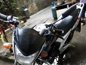 誠意出售9成新男裝摩托車!