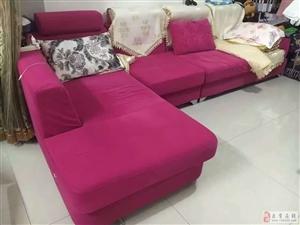 低价转让9成新沙发
