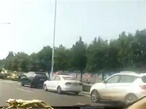 汝州市�w育中心附近一�v�{考��l生事故