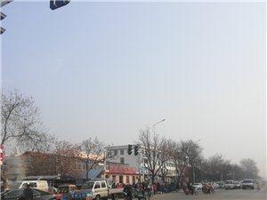 卫校市场道口安上红绿灯了