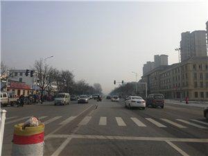 红绿灯左转及调头与标线不符