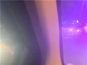 城南加油站附近�奢v�I�相撞