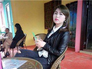 袁蔚红今年19岁自由职业