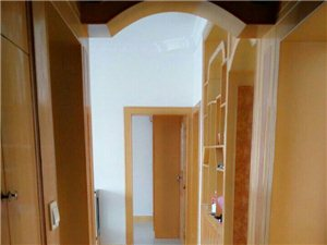 七花广场金石小区三室两厅急售100.18平米32万
