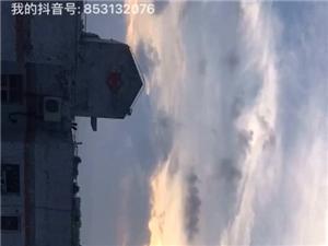 最近喜欢拍摄飘动的云,希望总有一?#26410;?#21040;你内心深处的感觉