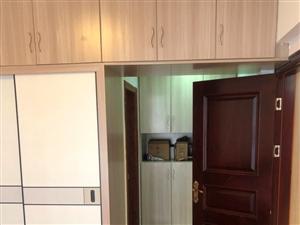海域一期楼王位置,127方,3室2厅2卫,户型方正,采光良好,拎包入住,满两年,总价76万,有意者欢