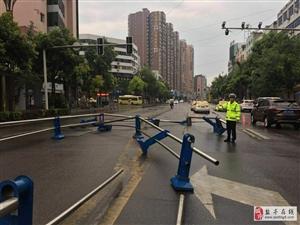 注意,注意,桂花街路口隔离栏损坏