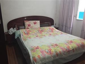 套房出租,家电齐全,拎包入住,采光好,地理位置佳,位于塘湾,年租8000,先到先的,心动不如行动??