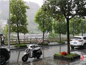 夏天,下雨天,!