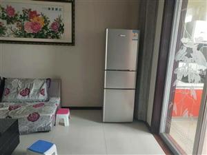 搬家出售二手海信冰箱,小天�Z全自�酉匆�C,地址�\�C家�@小�^,15291368778微信同�