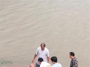 突发!南溪一男子被江水冲出千米之外。。。。