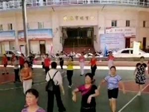 嘉积镇举行操舞骨干培训班,在全民健身日上展风采