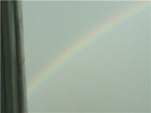 风雨过后有彩虹