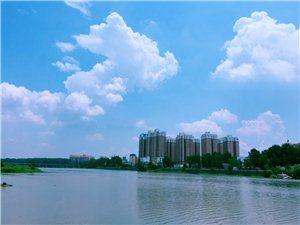 又刷屏!潢川的蓝天白云美美美翻了!