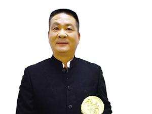 """【百姓聚焦】永不褪色的�人――�""""浙江省十大��秀退役�人""""汪衍君"""