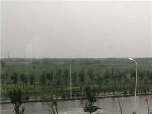 �^潮�@�e水,下雨天,注意安全