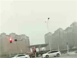 中央公�@�_浪~雨一直下