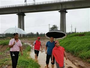亚博体育福利版下载法院第一书记陈韬两天跑遍全村住户和河道水渠