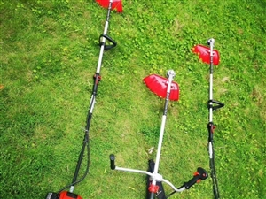 雨后草疯长,需要割草机的联系,价格美丽!