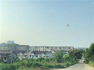 开发区的别墅,有产权证?土地证?