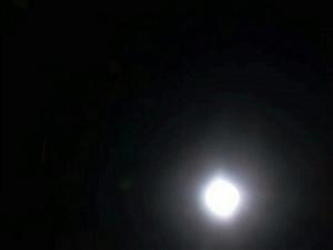 悟空看到了天上的月亮!