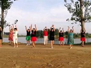 沙滩公园美舞