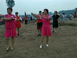 霍堰街沙滩公园舞蹈队