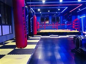 南溪一家明�a��r的健身房。