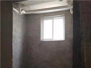 翰林苑毛坯�e��3室低3200一平,首付14�f左右