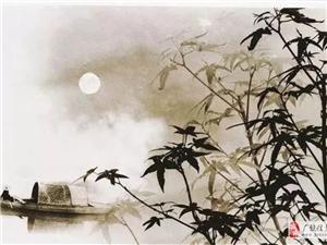 秋月秋的月透着酷暑后的微凉像碎银覆盖了城市淹没了村庄毫无商量偷偷的溜进了我的窗