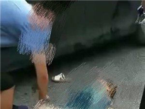 筠连老中医院旁发生车祸,出现这一幕……