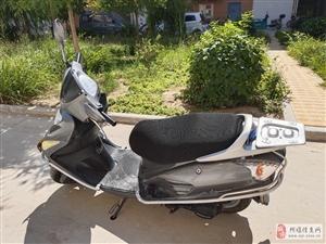 本田e彩踏板摩托车