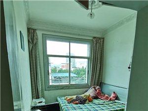 套房出租。七中�γ妗�4室2�d1�N1�l。家具�R全。2100一��月需要的��系15599222155