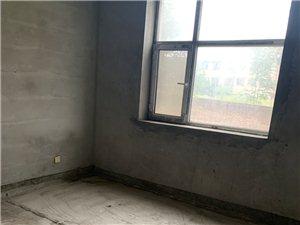本人有一�130平米的三室��d�尚l的毛坯房出售!今年�_始�k房�a�C,底�r24�f!�系��。17535