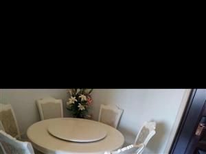 99层新餐厅圆桌便宜处理了